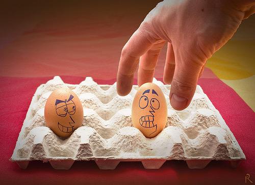 مسكين البيض....! Egg21